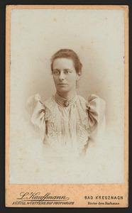 Portret van Henriette Carolina Adriana de Bruyn van Melis- en Mariekerke (1854-1917)