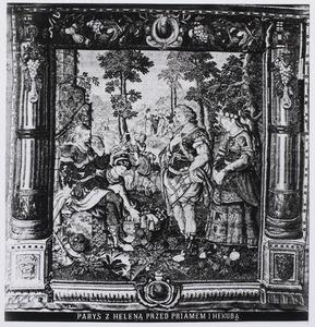 Paris en Helena voor Priamus en Hekabe