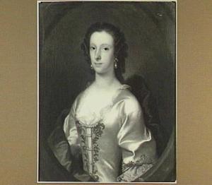 Portret van een vrouw geschilderd in een ovaal