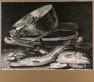 Visstilleven met vergiet