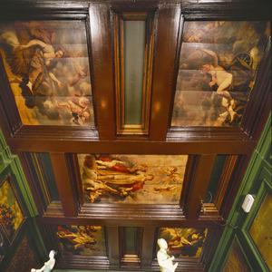 Vijfdelige plafondschildering met de personificatie van Overvloed omgeven door de vier seizoenen