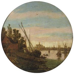 Rivierlandschap met links een scheepswerf; op de achtergrond Haarlem met de Grote Kerk