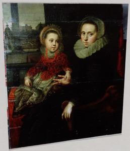 Portret van een vrouw met haar dochter
