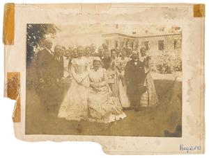 Groepsportret met koningin Wilhelmina (1880-1906) en prinses Juliana (1909-2004)