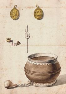 De door Franco van Bleiswijk (1695-1735) gekochte Geuzennap met twee pelgrimsflesjes en een geuzenpenning met portret van koning Filips II van Spanje (1527-1598)
