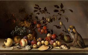 Stilleven met vruchten, schelpen en een aap