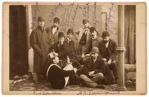 Portret van een groep mannen
