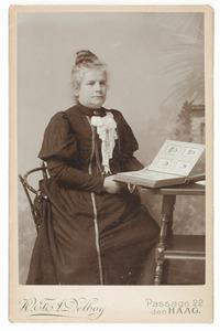 Portret van Maria Francisca Henriette Dumontier (1852-1916)