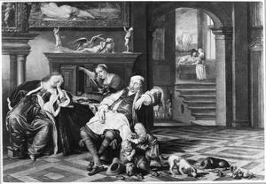 Interieur met een aan tafel in slaap gevallen waard en zijn vrouw, twee vechtende kinderen en een meid die in de kast gluurt; op de achtergrond een triktak spelend paar