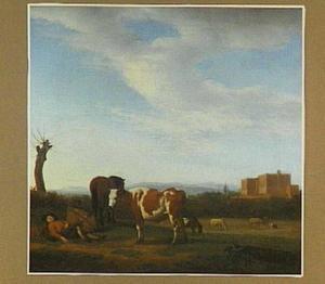 Landschap met enkele koeien en een slapende herder; in de verte een burcht