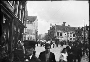 Gezicht op de Haarlemmerdijk te Amsterdam