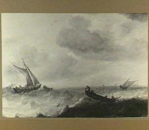 Schepen op onrustige zee met rechts op de voorgrond een kleine vissersboot