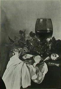 Stilleven met roemer, oester, citroen en porseleinen schaaltje met wilde aardbeien
