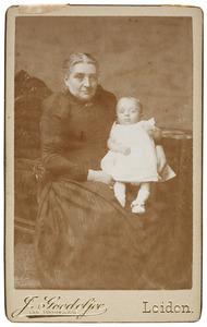 Portret van Margaretha Angelique Johanna Horstmann (1835-1910) en August Mattheus Ludwig Rümke (1891-1980)