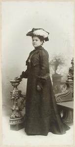Portret van Jeanne Francoise Marie Rijnen Rijnen (1879-1915)