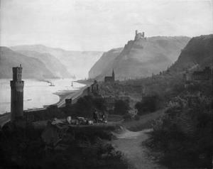 Uitzicht op Oberwesel aan de Rijn met in de verte Schloss Pfalzgrafenstein