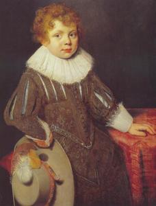Portret van een rvier-jarig jongetje, staande met een hoed in de hand