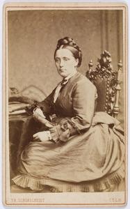 Portret van een vrouw, mogelijk Pauline Amalia de Both (1830-...)