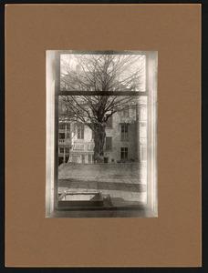 Achterzijde van het huis van Jozef Israels (koninginnegracht 2, Den Haag), gezien vanuit het atelier