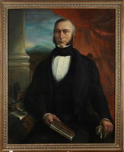 Portret van een man, met een doorkijk op een berglandschap