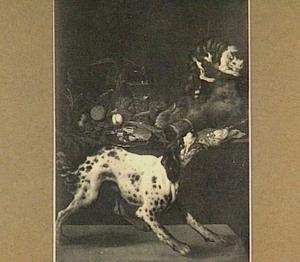 Jachtstilleven met vruchten op een stenen plint; rechtsboven een kat en onder een blaffende hond