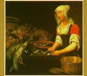 Vrouw in een keukeninterieur met stilleven van vis en groente
