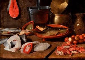Stilleven met vis, vaatwerk, krabben en uien