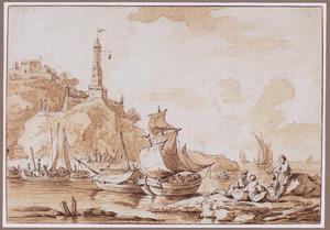 Rotskust met vuurtoren en zeilboten op zee