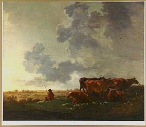 Weidelandschap met vijf koeien en een herder