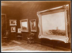 Zaal in Villa Erica, Den Haag tijdens een tentoonstelling van werk van Willem Maris