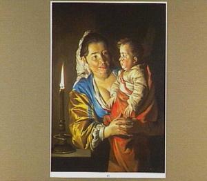 Moeder en kind bij kaarslicht