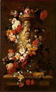 Bloemstilleven in een terracotta vaas op een stenen tafel