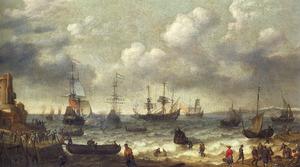 Kustgezicht met schepen en een oorlogsschip dat een saluutschot lost