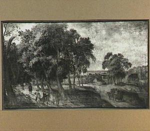Ruiters in een boomrijk landschap