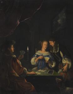 Elegant kaartend gezelschap bij kaarslicht in een interieur
