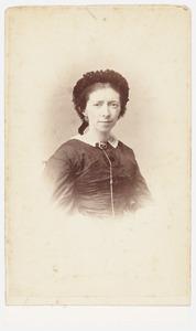 Portret van een vrouw, mogelijk uit familie Schim van der Loeff