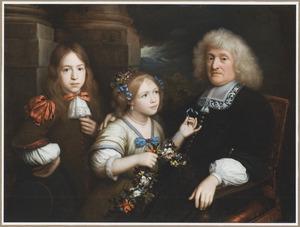 Portret van een man en twee kinderen met een doorkijk naar een landschap