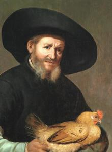 Bebaarde man met een zwarte hoed die een haan vasthoudt