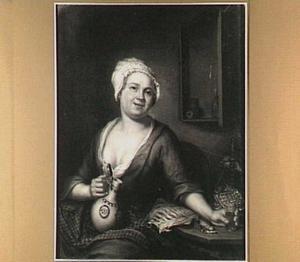Zittende jonge vrouw met een wijnglas in de ene en een kan in de andere hand