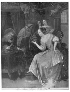 Een elegant gezelschap waarvan een vrouw zich de hand laat lezen door een zigeunerin