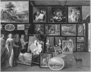 Kunstliefhebbers in een schilderijencollectie