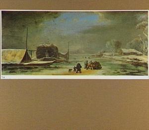 Winterlandschap met figuren en slee op het ijs; links een boot met hooi