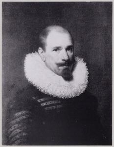 Portret van een man, mogelijk Bartholomeus van Segwaert (1576-1639)