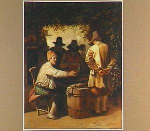 Triktrakspelende mannen onder een pergola
