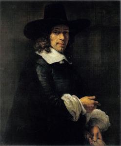 Portret van een man met een  hoed en met handschoenen in de hand