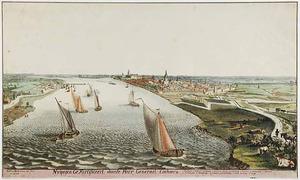 Nijmegen, gezicht op de Waal met rechts de stad gezien vanuit het westen