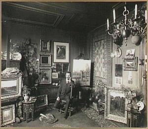 De schilder Arnold Marc Gorter (1866-1933) in zijn atelier aan de Nassaukade 362, Amsterdam