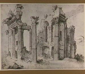 Ruïnes van de tempel van Minerva op het forum van Nerva te Rome