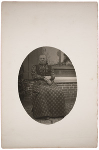 Portret van Derkje van Heteren (1856- )