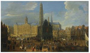 Gezicht op de Dam te Amsterdam in de richting van het nieuwe stadhuis, de Waag en de Nieuwe Kerk met de nimmer voltooide toren